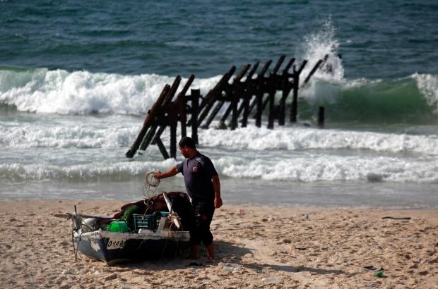 Egyptian Navy fired near Palestinian fishermen