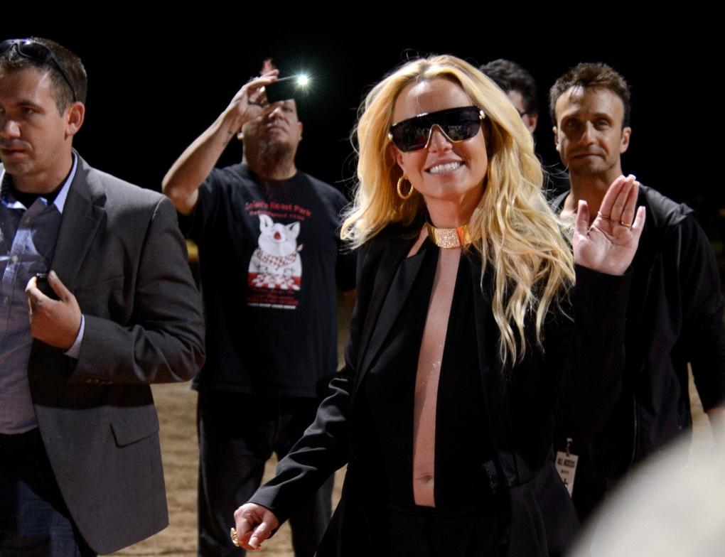 Britney dating 2013