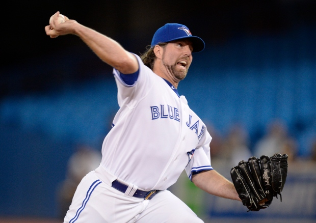 R.A. Dickey shuts out Yankees in Blue Jays' 2-0 win | CTV News