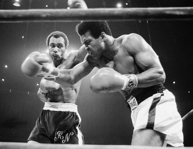 Ken Norton fights Muhammad Ali