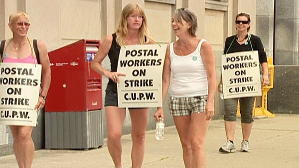 is canada post still on strike