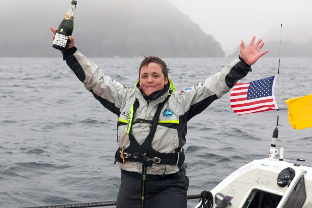 Sarah Outen completes Pacific crossing