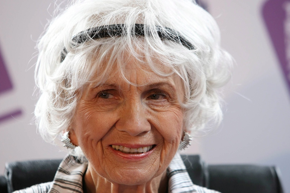 Canadian Author Alice Munro at a press conference at Trinity College, Dublin, Ireland on June 25, 2009.  (AP / Peter Morrison)