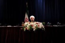 From praise to 'Death to America': Iranians react to historic Rouhani-Obama talk