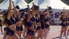 Western University Mustang cheerleaders