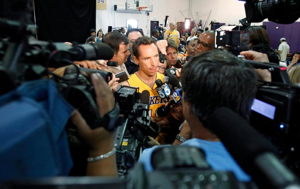 Los Angeles Lakers guard Steve Nash