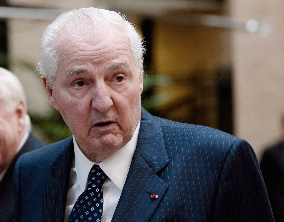 Paul Desmarais, Chairman of the executive committee of Power Corporation walks to the company's annual meeting in Montreal on May 9, 2008. Canadian business tycoon Paul Desmarais Sr. has died at the age of 86, Power Corp. of Canada says. (Graham Hughes / THE CANADIAN PRESS)
