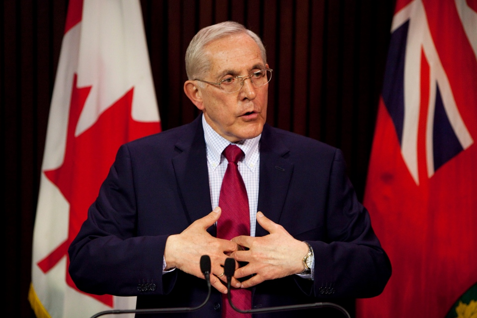 Energy Minister Bob Chiarelli takes questions from the media at Queen's Park in Toronto, Monday, April 15, 2013. (Matthew Sherwood  / THE CANADIAN PRESS)