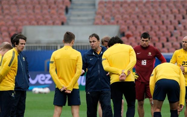 Holger Osieck fired as Australian soccer coach