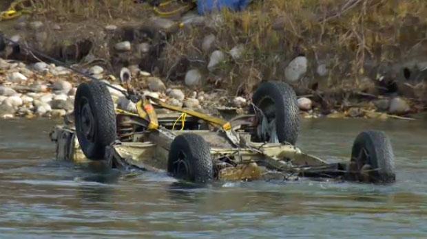 Bow River, debris, truck, Calgary floods, flood de