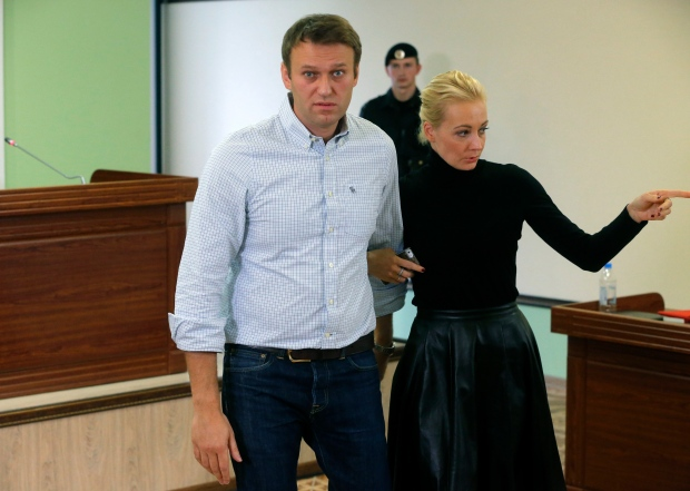 Russian court decides not to imprison oppposition leader ...