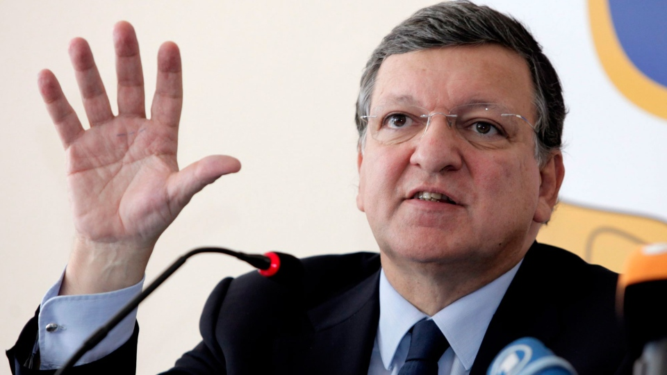 European Commission President Jose Manuel Barroso gestures during a press conference in Lampedusa, Italy, Wednesday, Oct. 9, 2013. (AP / Francesco Malavolta)