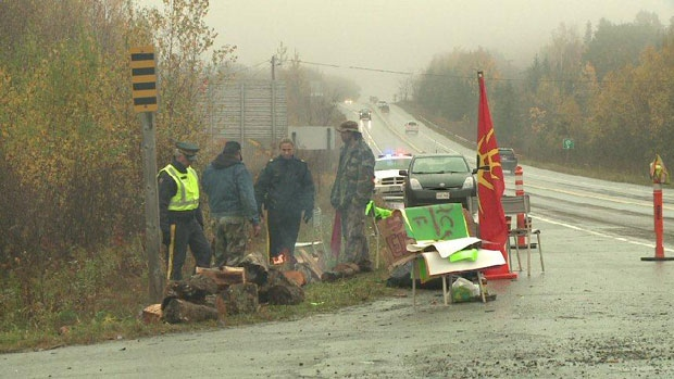Anti-fracking demonstration at entrance to Kingsclear First Nation on Highway 102
