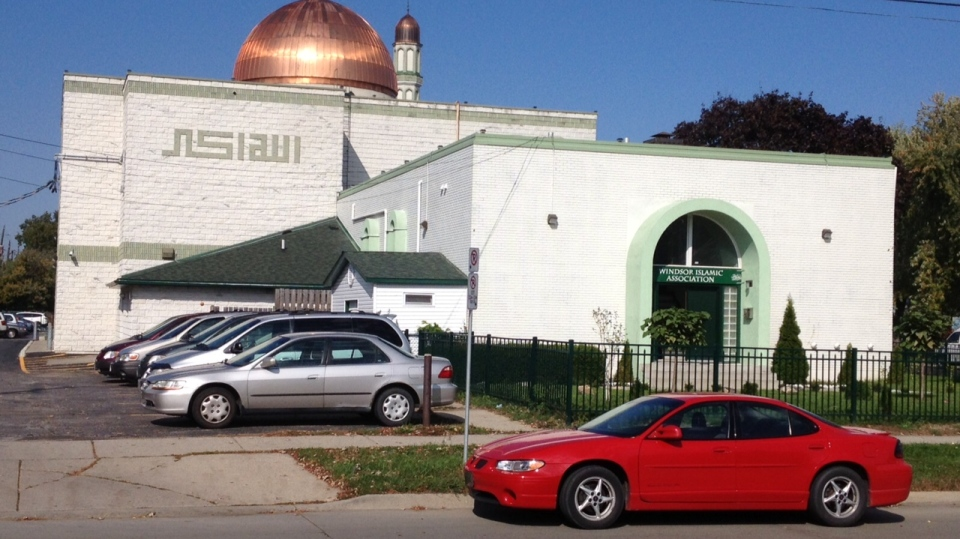 A file photo of the Windsor Mosque at 1320 Northwood Dr. in Windsor, Ont., on Oct. 18, 2013. (Chris Campbell / CTV Windsor)
