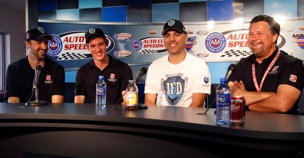 James Hinchcliffe returnx to Andretti Autosport
