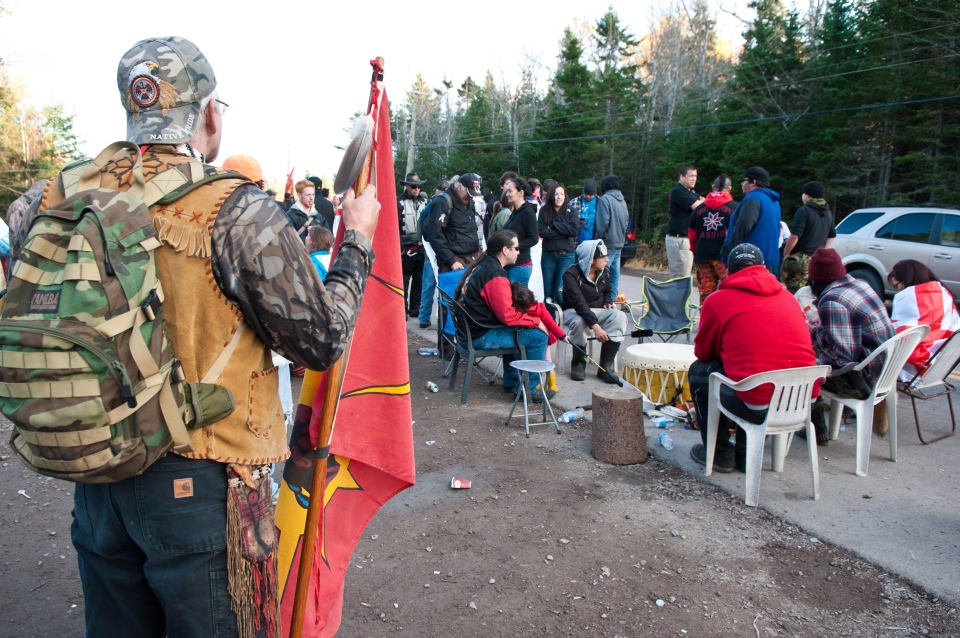 Shale gas protesters demonstrate on Route 134 near Rexton, N.B., on Saturday, Oct. 19, 2013. (Marc Grandmaison / THE CANADIAN PRESS)