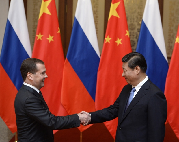 Russia signs deal to supply China with oil