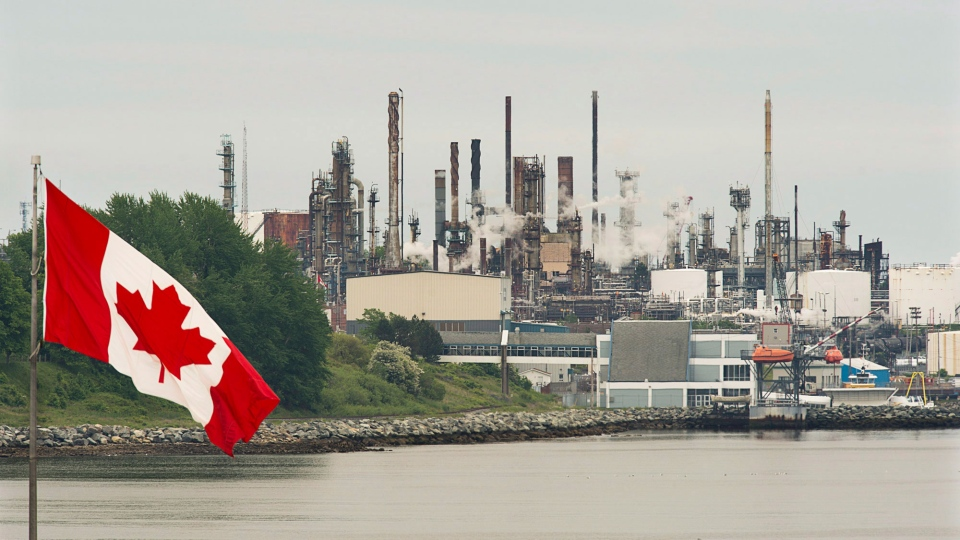 The Imperial Oil refinery is seen in Dartmouth, N.S. on Wednesday, June 19, 2013. (Andrew Vaughan / THE CANADIAN PRESS)