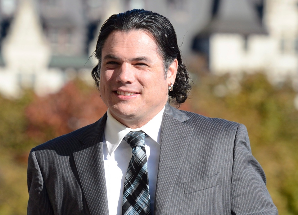 Sen. Patrick Brazeau arrives to the Senate on Parliament Hill in Ottawa, Monday, Oct. 28, 2013. (Adrian Wyld / THE CANADIAN PRESS)
