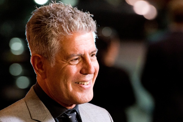 Anthony Bourdain defends seal hunt