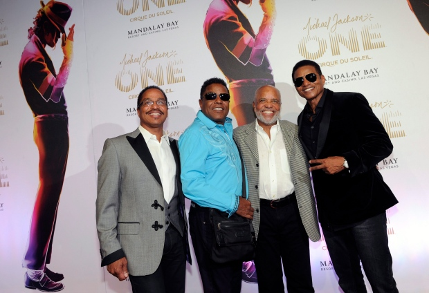 Jacksons perform tribute to Berry Gordy