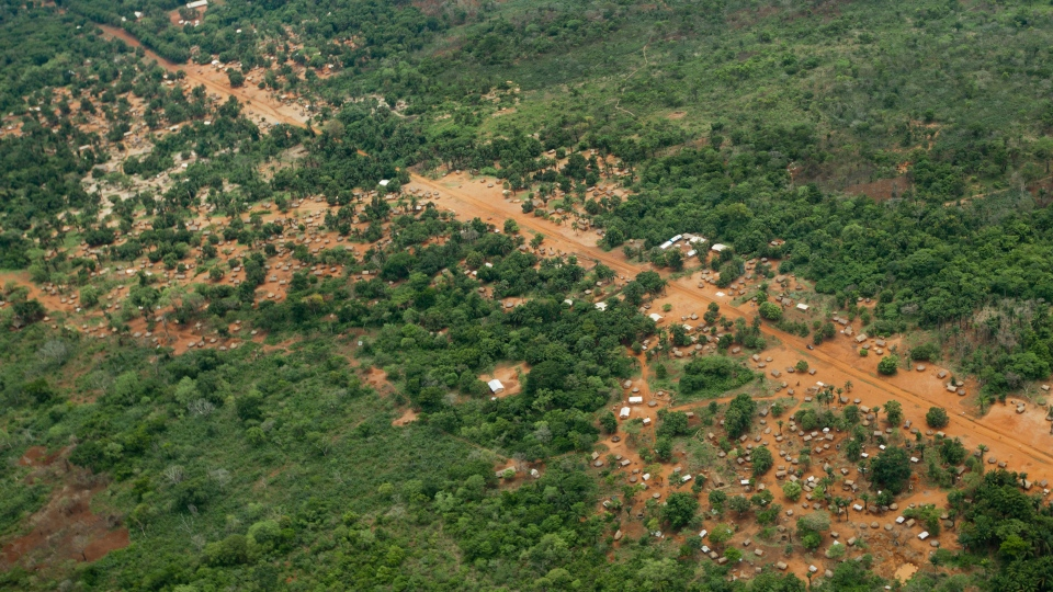 The town of Obo, where U.S. special forces have paired up with local troops and Ugandan soldiers to seek out Joseph Kony's Lord's Resistance Army (LRA), is seen from the air in the Central African Republic, Sunday, April 29, 2012. (AP / Ben Curtis)