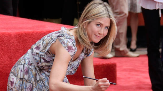 Jennifer Aniston says she's not 'desperate' to have kids