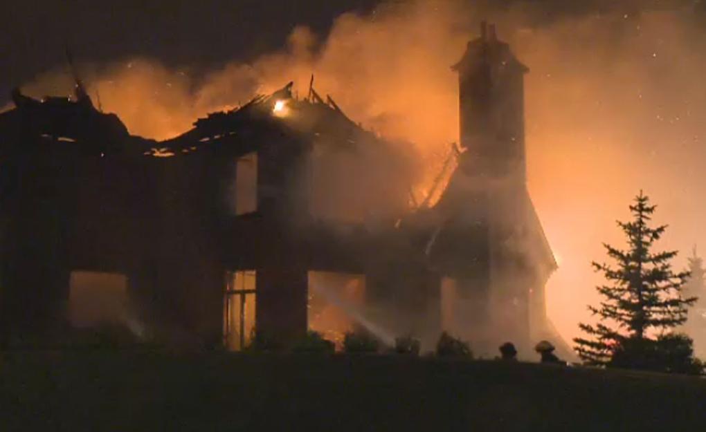Fire rages through Brossard mansion