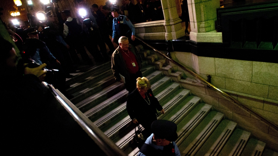 Pamela Wallin leaves the Senate on Parliament Hill in Ottawa, Tuesday, Nov. 5, 2013. (Sean Kilpatrick / THE CANADIAN PRESS)