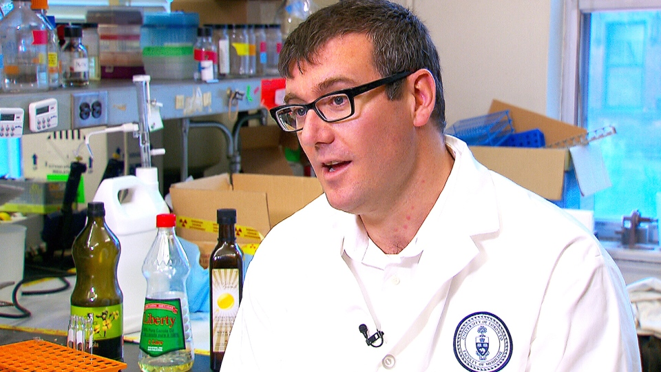 Dr. Richard Bazinet from the University of Toronto speaks to CTV News about the heart disease risk of consuming corn and safflower oils.