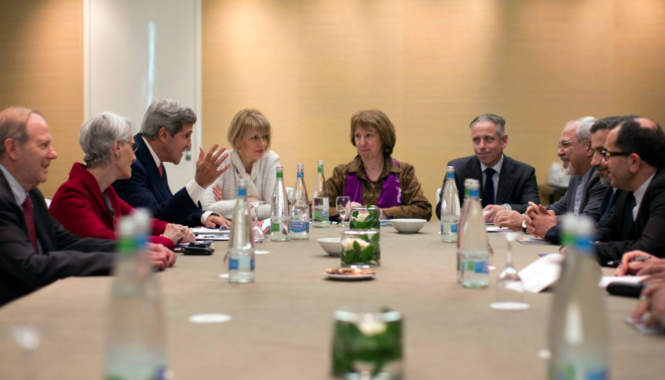 U.S. Secretary of State John Kerry, third left, meets with EU High Representative for Foreign Affairs, Catherine Ashton, centre, and Iranian Foreign Minister Mohammad Javad Zarif, third right, at the Iran Nuclear talks in Geneva, Switzerland, Saturday, Nov. 9, 2013. (AP / Jason Reed)