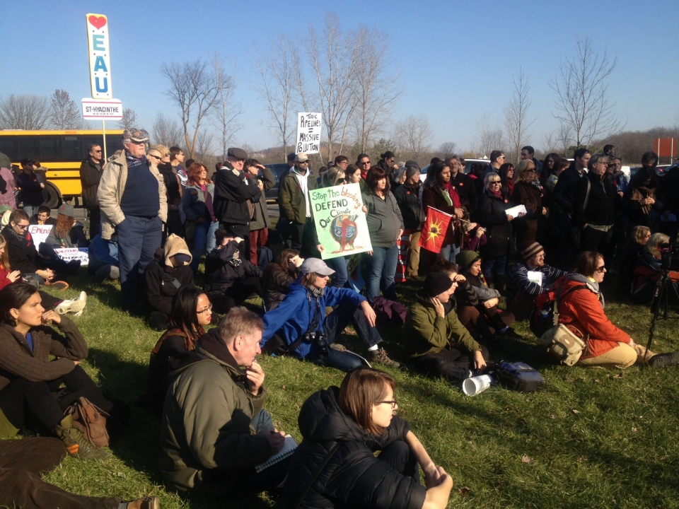 Protesters gathered at Oka Park Saturday to show their opposition to the Enbridge pipeline project. (CTV Montrea / Maya Johnson)