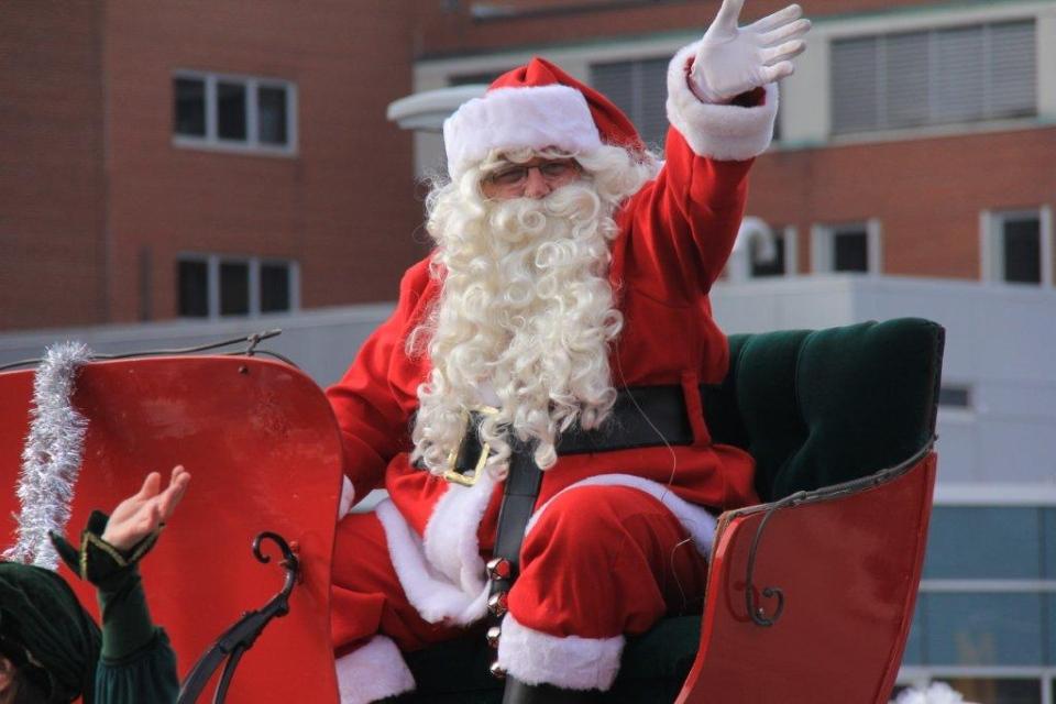 Santa Claus arrives in Waterloo Region