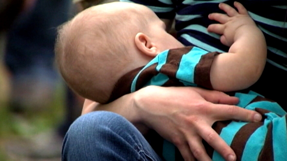 A British Columbia health authority has removed a controversial breastfeeding handout that condemned formula feeding from circulation.