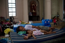 Philippines death toll rises to more than 5,000