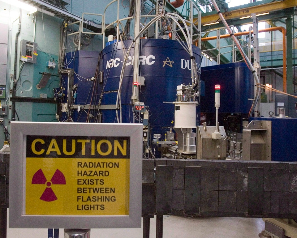 A warning sign is posted at the AECL plant in Chalk River, Ont. on Dec. 19 2007. (Fred Chartrand / THE CANADIAN PRESS)