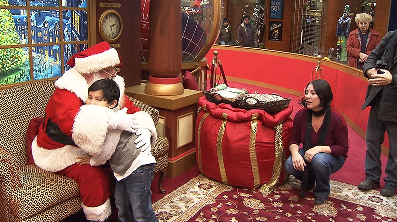 Malls across Canada are making special arrangements so that kids with autism can take part in a popular holiday tradition: taking a photo with Santa.