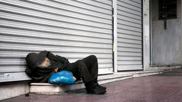 Drug experts against austerity; Greek HIV