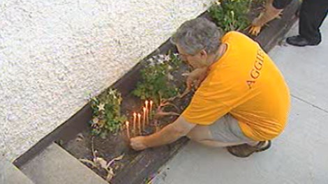 A small group gathered at the Royal Norwegian Cosulate, lighting candles and taking a moment to think about the 93 people killed on Friday.