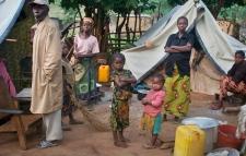 Displaced family in Bouca