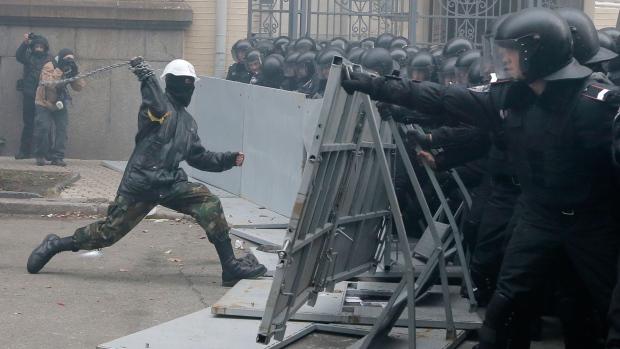 ukrainians stage largest anti govt rally since orange revolution