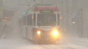 dec Gallery/snowy-train1.jpg
