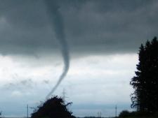 Taken near Neepawa at 1:30 p.m. (courtesy Phil Shaman)