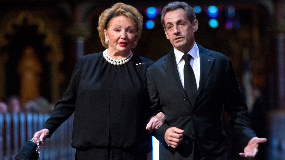 Sarkozy among dignitaries who paid tribute to Paul