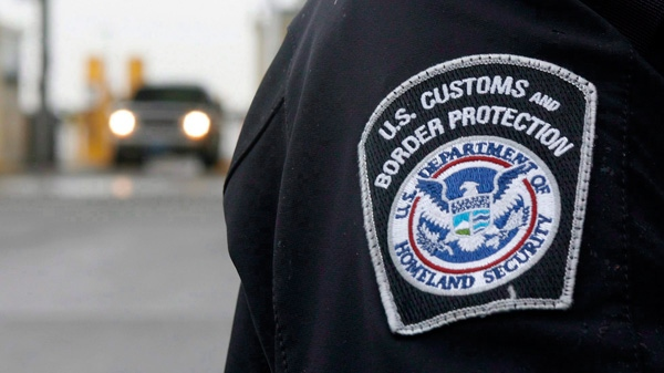 A U.S./Canada border crossing is shown on Friday November, 26, 2010. (Brent Foster / THE CANADIAN PRESS)