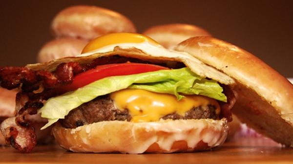 doughnut cheeseburger to debut at 2011 cne ctv news toronto. Black Bedroom Furniture Sets. Home Design Ideas