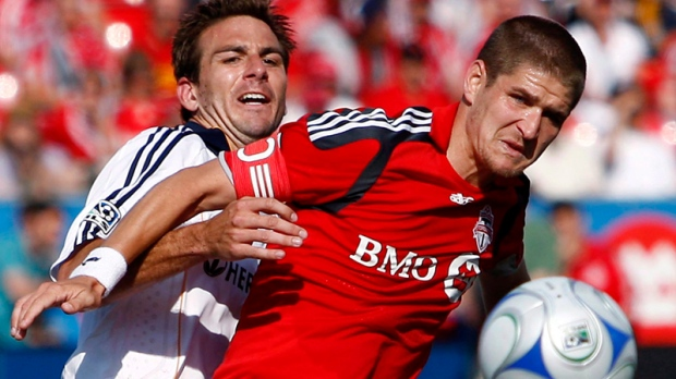 Vancouver Whitecaps names Carl Robinson new coach