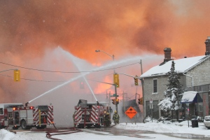 Major fire breaks out in Kingston, Ont.