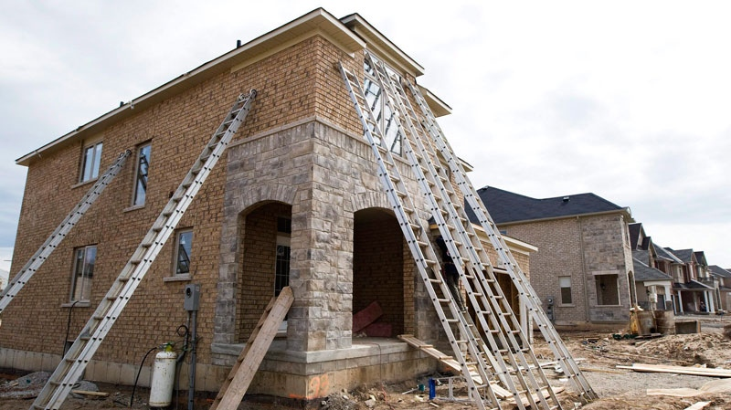 New homes are under construction in Oakville, Ont., on April 14, 2009. (Nathan Denette / THE CANADIAN PRESS)