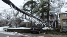 Ice storm strikes Toronto